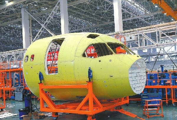 总设计师:C919进入首飞准备状态 订单已达570架
