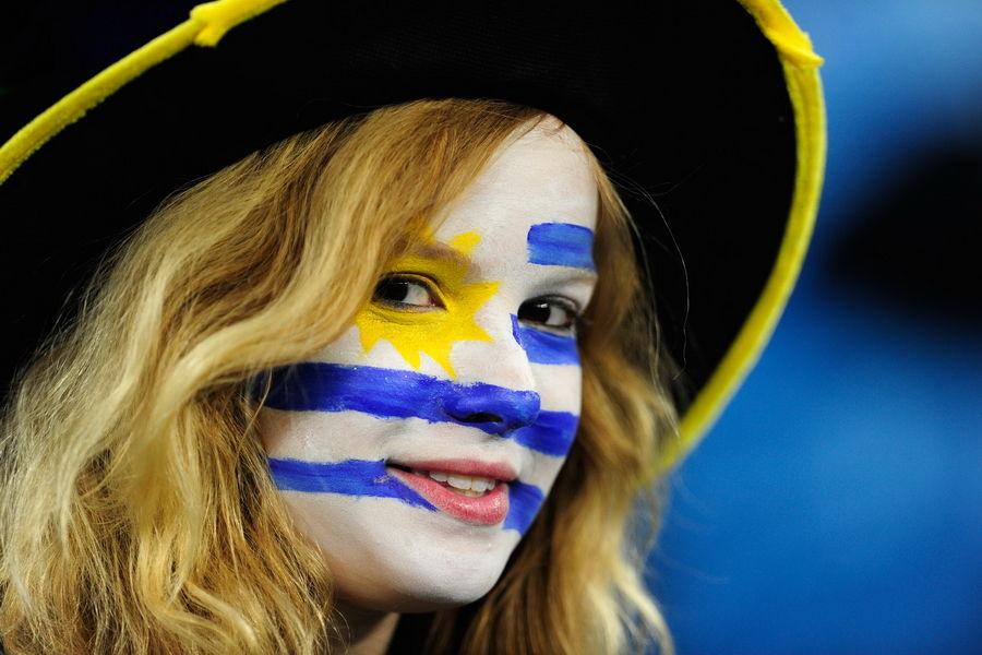 世界杯32强女球迷面孔 美国丽人PK西班牙姐妹
