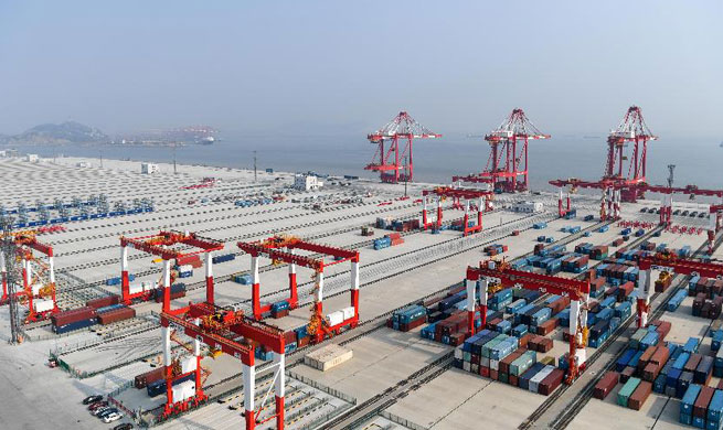 Yangshan deep water port boosts Shanghai as int'l shipping center