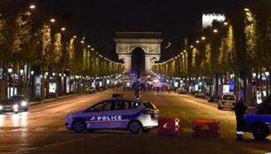巴黎香榭麗舍大街發生槍擊事件 一名警察殉職
