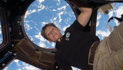 佩姬·惠特森成為太空停留時間最長的美國宇航員