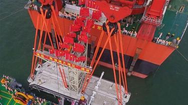 港珠澳大橋海底隧道最終接頭今天安裝到位