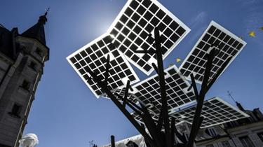 """""""太陽能樹""""首次亮相歐洲"""
