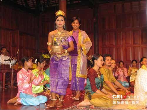 少女 柬埔寨/视频播放位置...
