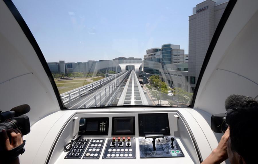 韩国仁川机场磁悬浮列车