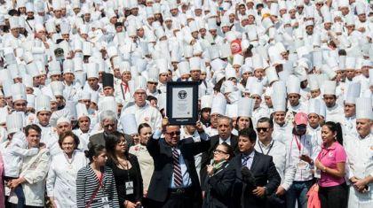 墨西哥3634名厨师齐聚一堂欢庆 创世界纪录(图)