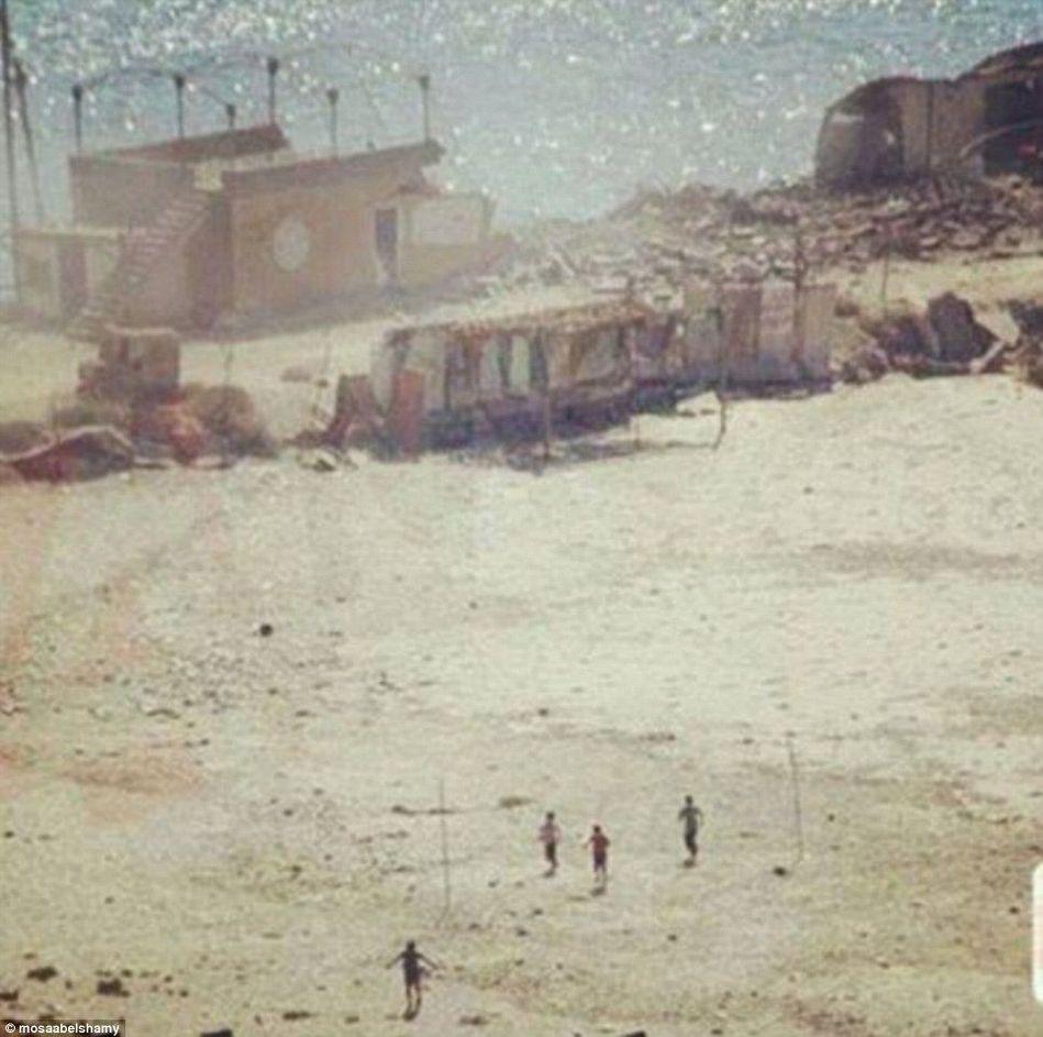 以色列空袭加沙:4男童遭炮击身亡前一刻(组图)