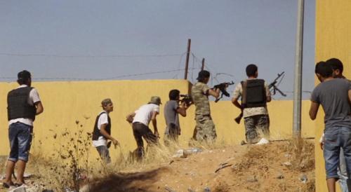 利比亚内战再陷入全面失控 在利中国人开始撤离