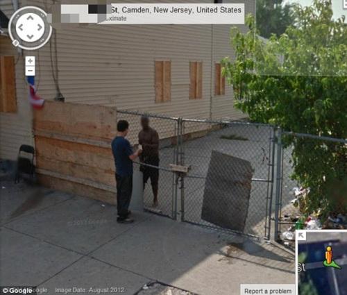 网友浏览谷歌地图 疑似拍到毒品交易现场(图)