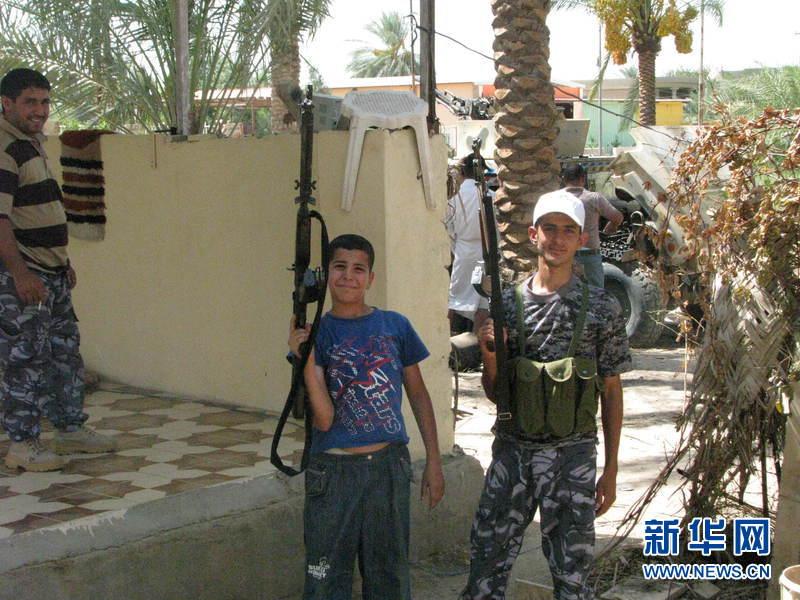 """部队持续与同属逊尼派的""""伊斯兰国""""极端武装作战,击败后者高清图片"""