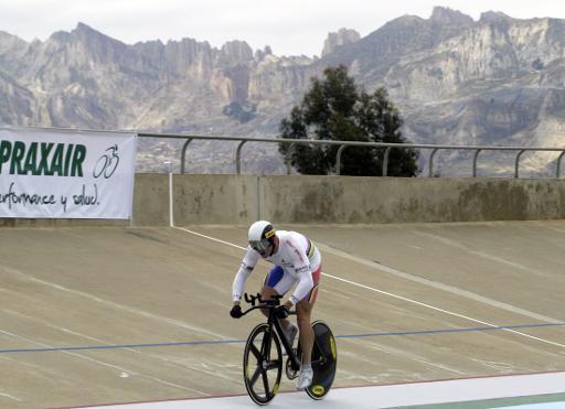 法国75岁自行车手挑战玻高山场地赛记录