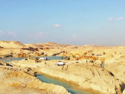 埃及新运河挖掘工程已完成过半