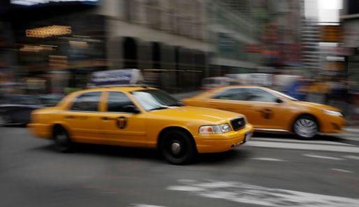 纽约出租车牌照价格比去年缩水25