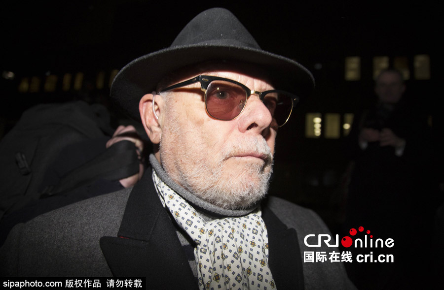 英老牌摇滚歌手加里·格利特娈童案开庭