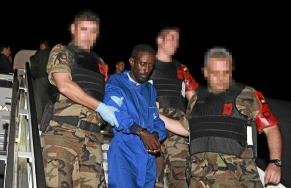 6名索马里海盗因劫持西班牙商船被判16年监禁(图)