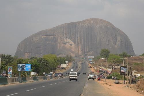 尼日利亚:阿布贾的祖马和阿索(组图)