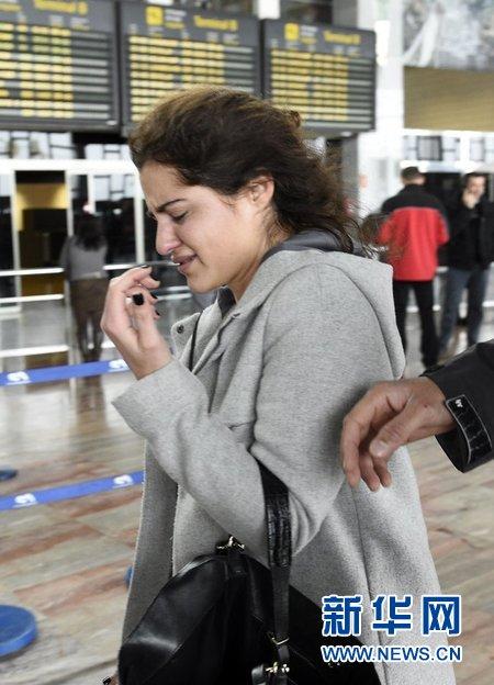 德国之翼A320坠毁客机乘客家属赶往机场心情悲痛