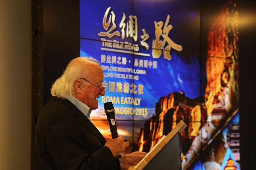 """马,走过13次丝绸之路的纪录片制作人贝佩·滕蒂在""""美丽中国""""系"""