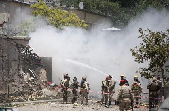 塔利班突袭阿富汗议会造成至少18人受伤