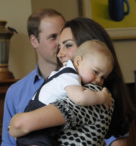乔治小王子两岁了!校服俩最有爱瞬间母子-新华性感变集锦图片