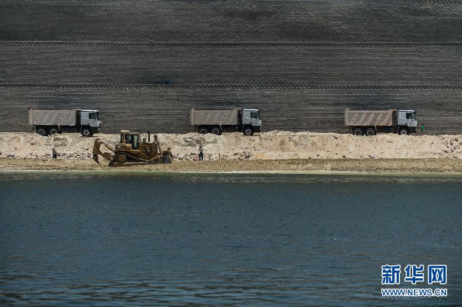 埃及新苏伊士运河项目正式完工 高清组图