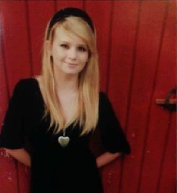 莫特 妮科尔/25岁的朱莉·妮科尔·莫特8月8日因病去世,她的遗体随后离奇被盗...
