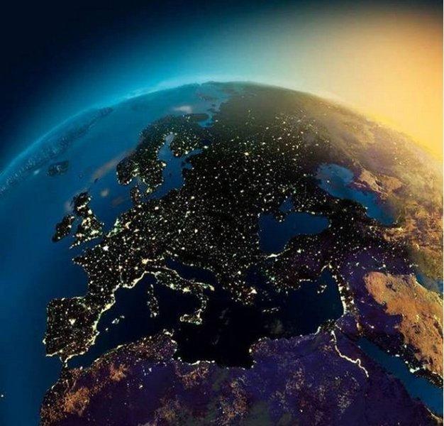 ناسا تلتقط صور الكرة الأرضية في الليل