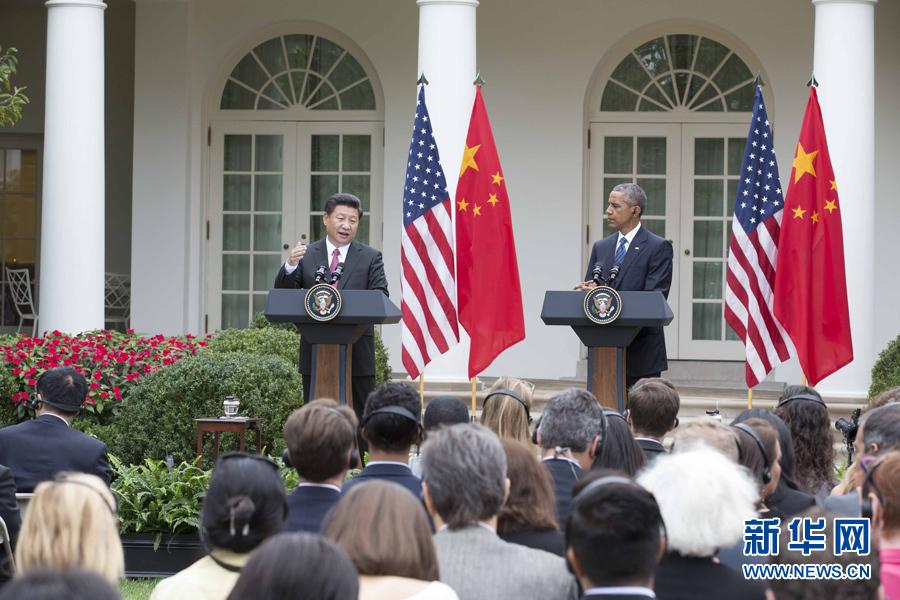 9月25日,国家主席习近平在华盛顿同美国总统奥巴马举行会谈。会谈后,两国元首共同会见记者。 新华社记者 黄敬文 摄