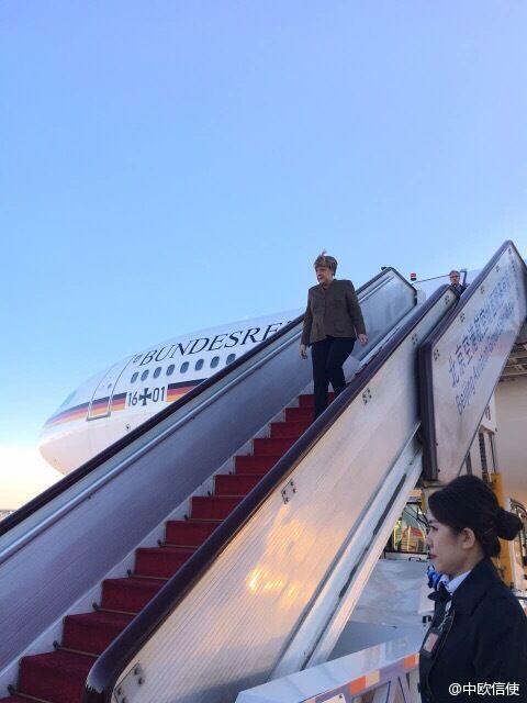 创西方国家领导人任上访华次数之最.-德国总理默克尔乘坐专机抵达图片