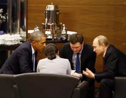 """特写:奥巴马与普京在G20峰会期间""""热聊""""35分钟"""