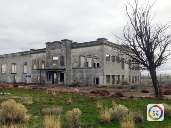 】   汉福德核工厂坐落于华盛顿州,位于首府西雅图东南大约300公里