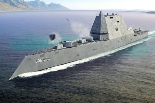 美国最大驱逐舰出海测试造价40余亿美元