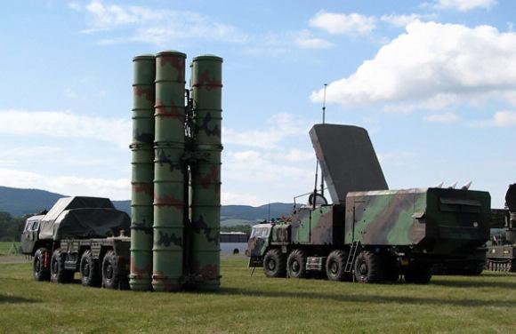 s300防空导弹_俄罗斯S-300防空导弹部队进驻叙利亚-新华网