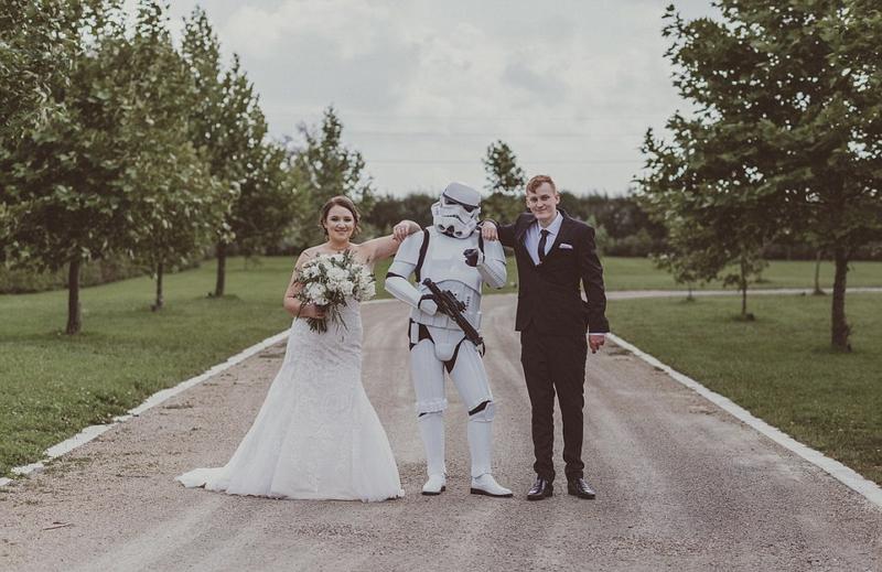 """惊喜!新西兰新娘为新郎准备""""星球大战""""婚礼(图)"""