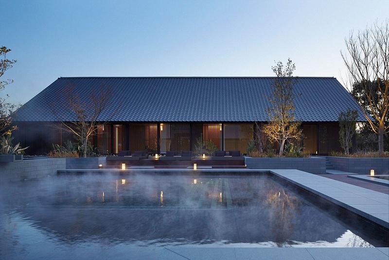 里酒店_日本松下国家公园里的温泉酒店给人引人入胜的感觉,它的传统水疗