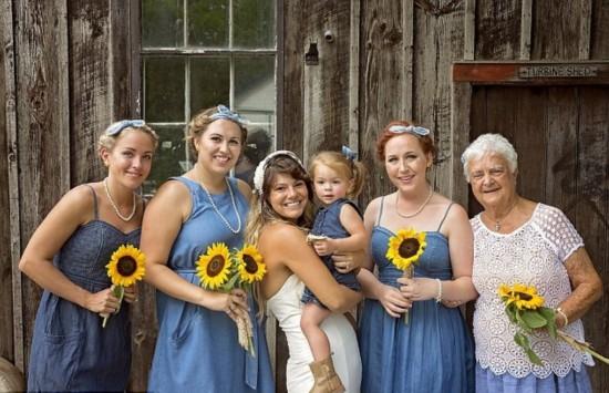 加拿大新娘请92岁外婆做伴娘 暖心合照令人感动(图)