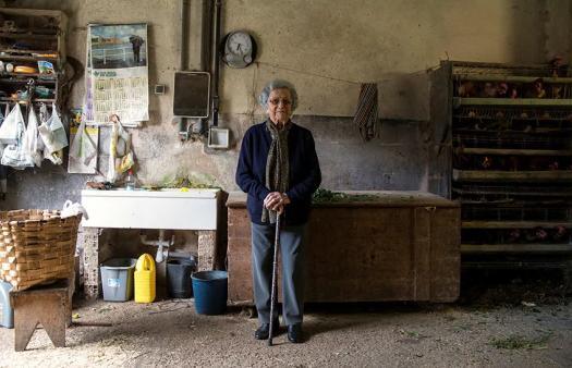 西媒:研究称女性平均预期寿命将突破90岁大关