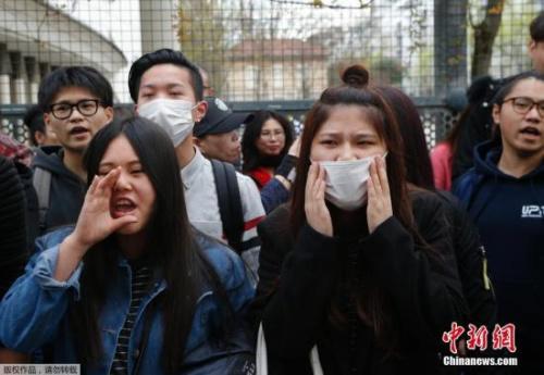 巴黎华人连续三晚示威抗议华侨被杀 与警方冲突