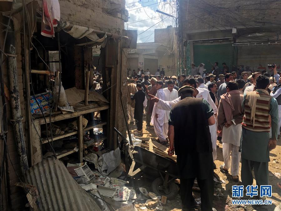 巴基斯坦一市场遭袭致22死70伤(组图)