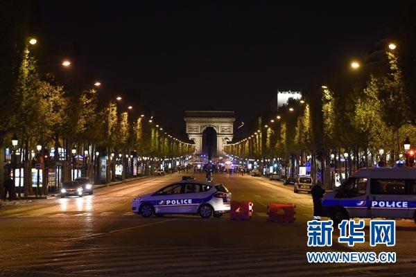 巴黎香榭丽舍大街发生枪击事件 一名警