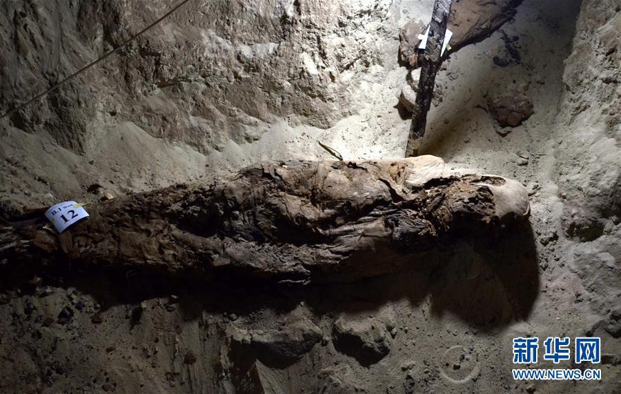 (国际)(1)埃及一古墓出土17具人类木乃伊