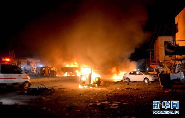 (国际)(2)巴基斯坦一军车遭袭造成至少15人死亡