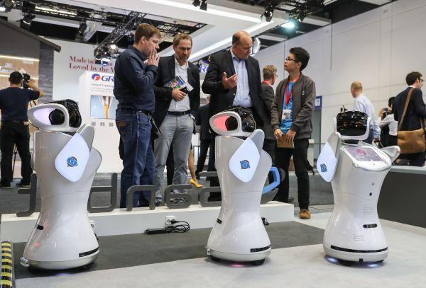 """日媒:中国有望在服务型机器人领域""""逆袭""""日本"""