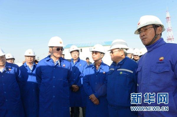 中石油公司高管调研督查乌兹别克斯坦卡拉库利凝析油气田项目一期维修玛丽莎表