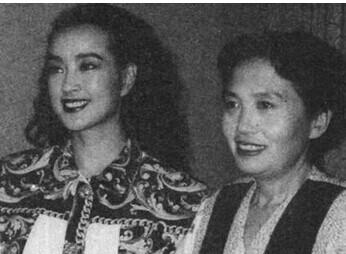 張玉鳳與劉曉慶罕見合影
