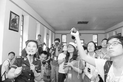 2011年8月3日,记者在延安杨家岭革命旧址中共中央办公厅参...