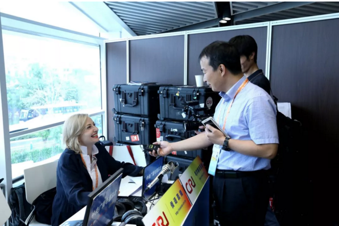 中央广播电视总台三网首次同框直播报道上合青
