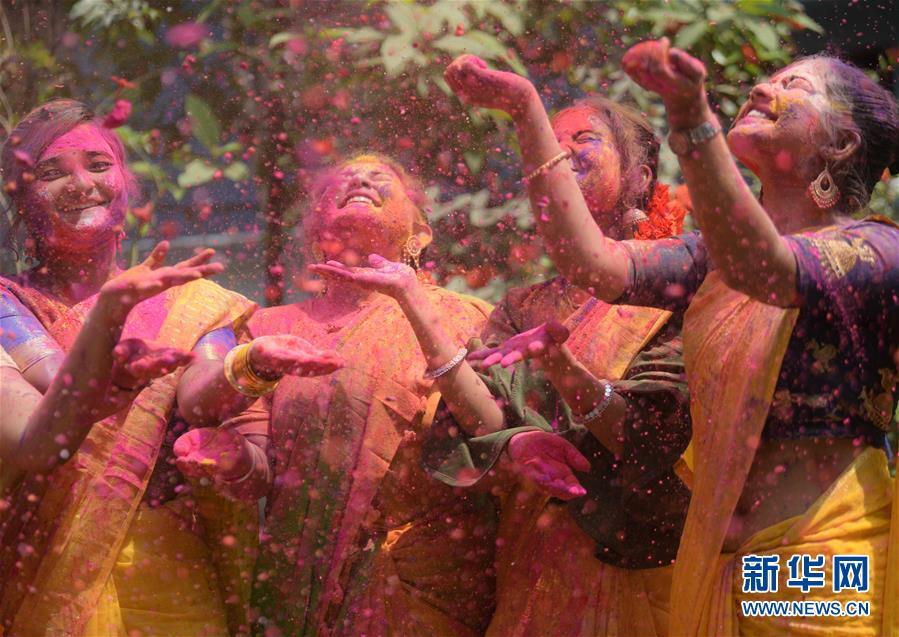 (新华视界)(5)印度:洒红节的色彩