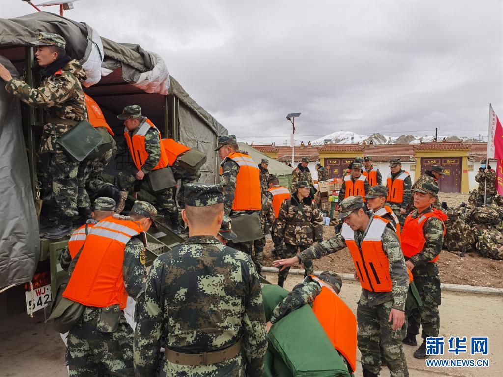 直击:向震中挺进!——武警青海总队果洛支队抢险救援见闻