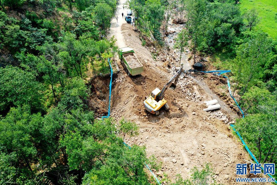 鹤壁淇县:抢修水毁路段